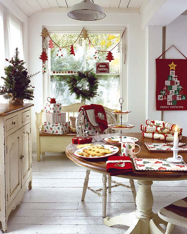 Amazing Small Dining Room Decoration For Christmas