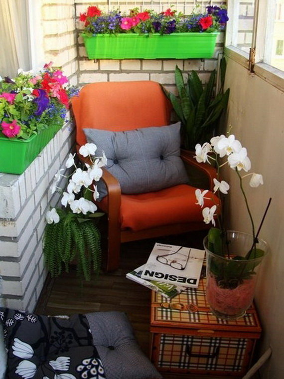 25 unique balcony decor ideas with images for Apartment porch decorating ideas
