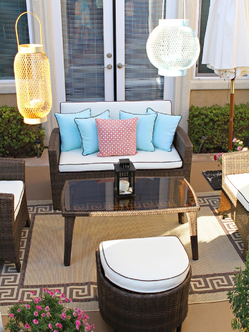 Great-Modern-Courtyard-Patio-Furniture-Sets-Decor