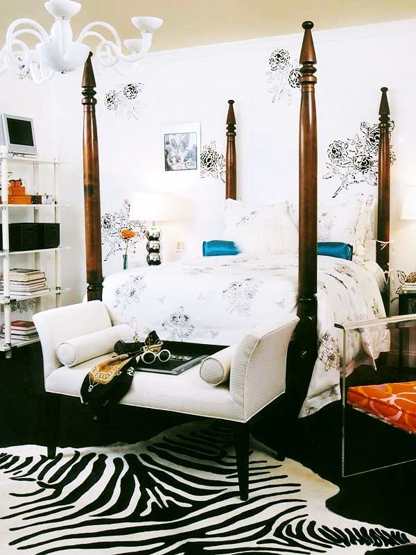 Mesmerizing-White-Girls-Bedroom-Idea-with-Zebra-Carpet-Motif