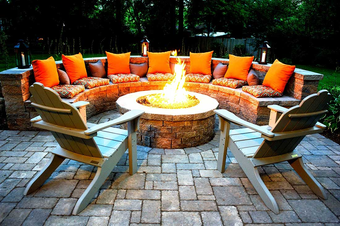backyard-firepit-seating-featured