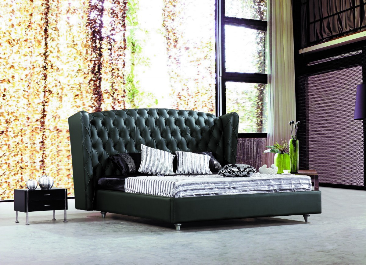 bedroom-furniture-sets-black