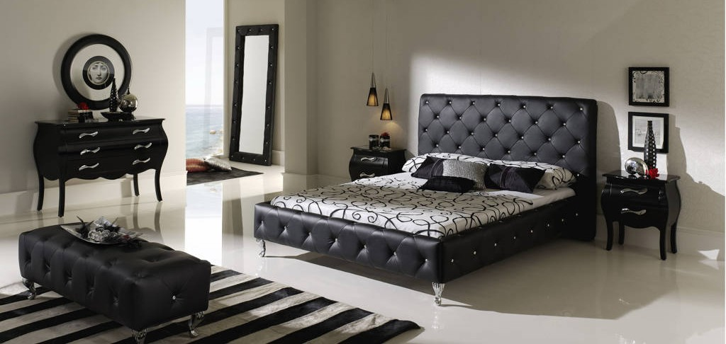 15 cool black bedroom furniture sets for bold feeling for Mens black bedroom furniture