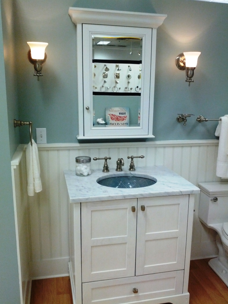 Marvelous Small Bathroom Designs Leaves You Speechless - Lighting ideas for small bathrooms