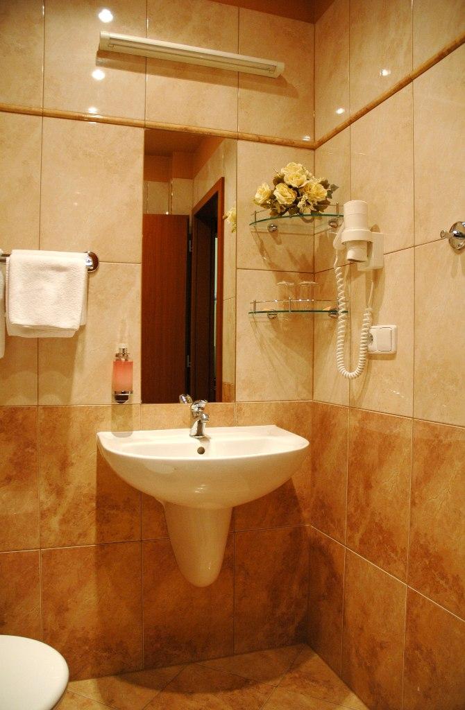 30 Marvelous Small Bathroom Designs Leaves You Speechless on Beautiful Bathroom Ideas  id=82863