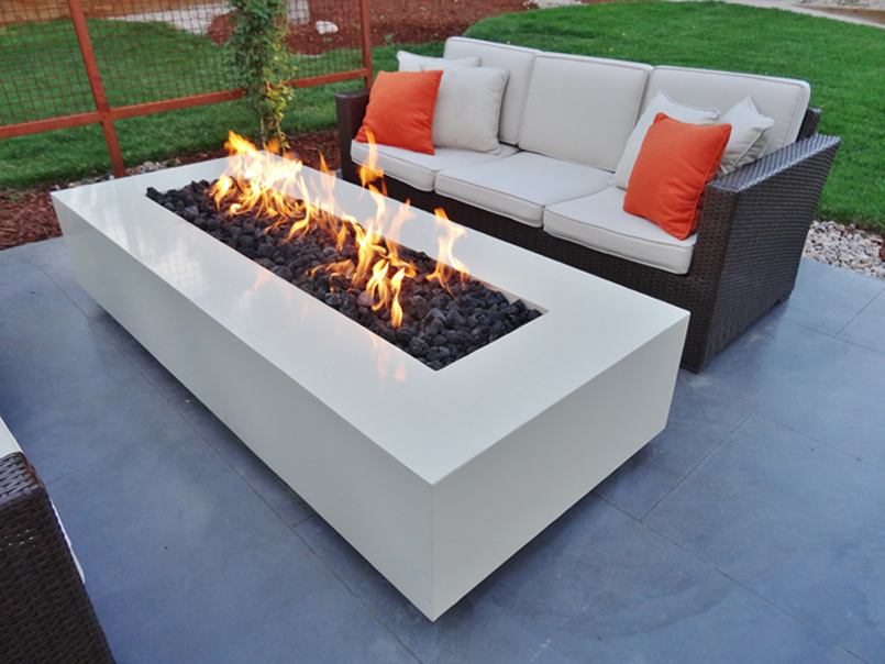 21 amazing outdoor fire pit design ideas for Modern fire pit ideas