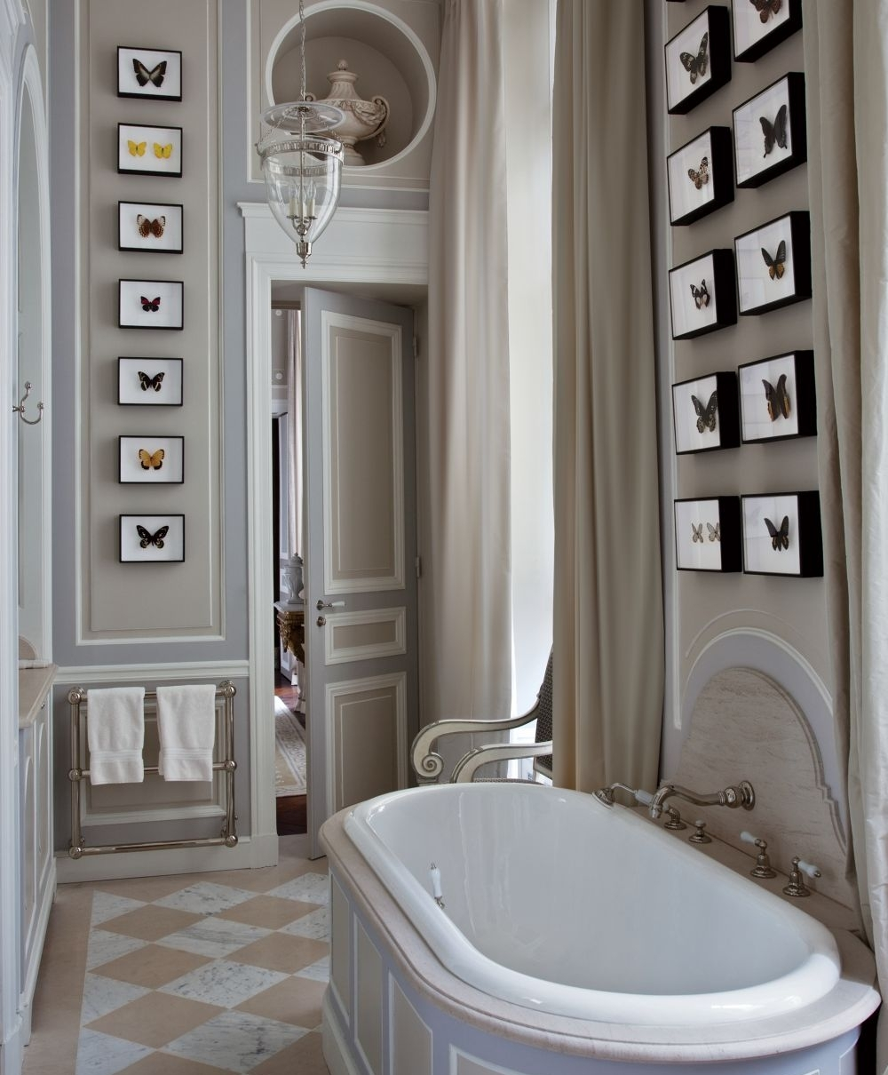 25 marvelous traditional bathroom designs for your inspiration for Show home bathrooms