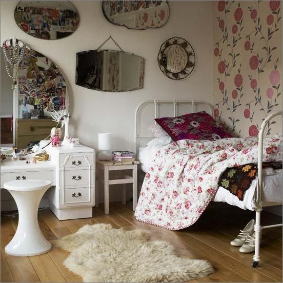 vintage style teen girls bedroom