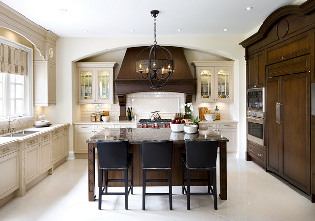 35 beautiful transitional kitchen examples for your for Interior design kitchen traditional