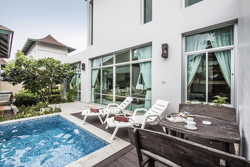 Cool-and-perfect-design-ideas-white-villa-small-swimming-pool