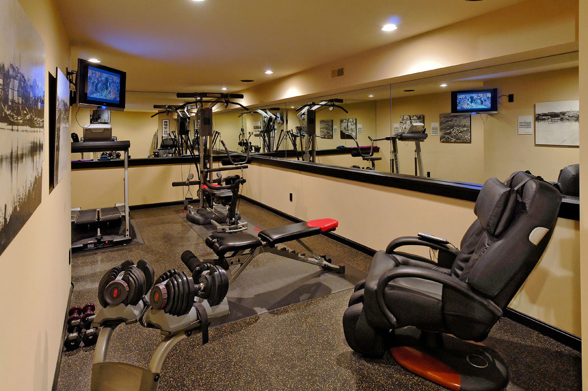 Home Gym Design: 25 Stunning Private Gym Designs For Your Home