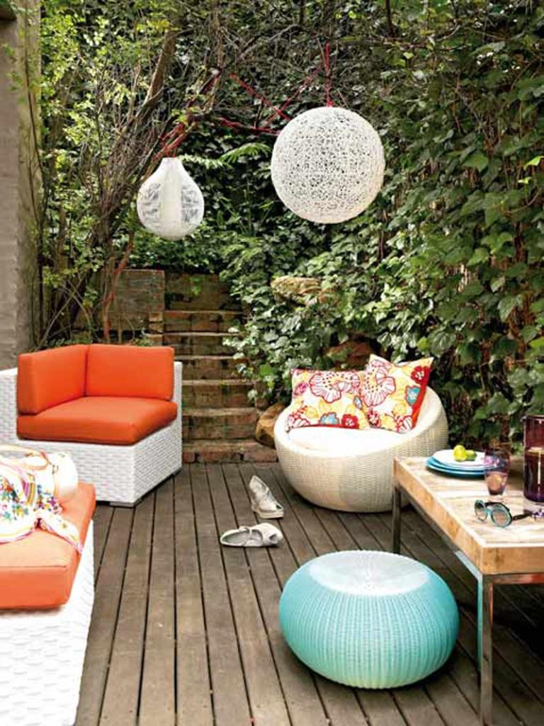 Dreamy-Patio-with-Lush-garden