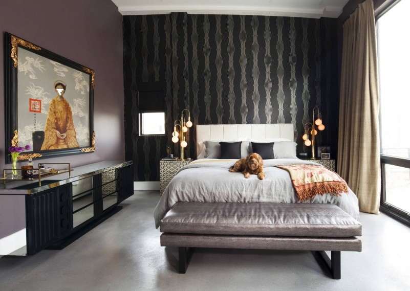 Fabulous-black-decorative-wallpaper-in-the-bedroom