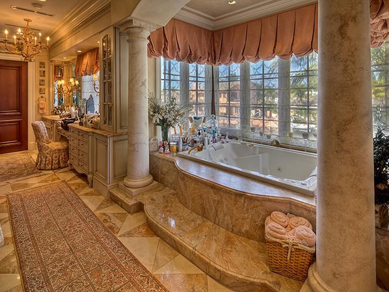 21 luxury mediterranean bathroom design ideas for Florida bathroom ideas