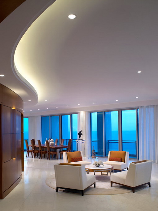 Large-White-and-Modern-Living-Room-Design