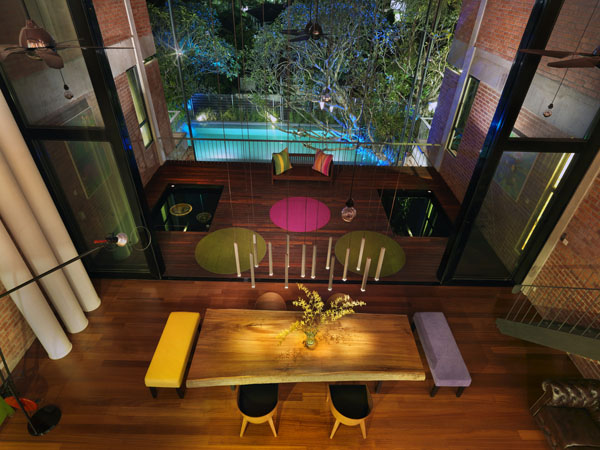 Luxurious-spaces-with-colorful-details