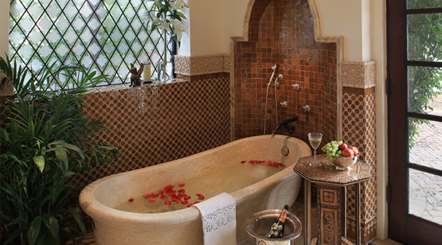 Luxury-Mediterranean-Bathroom-Design