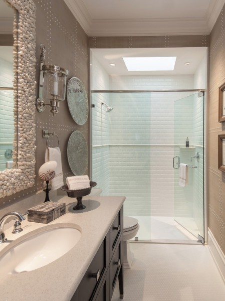 Shiny-Beach-Style-Bathroom