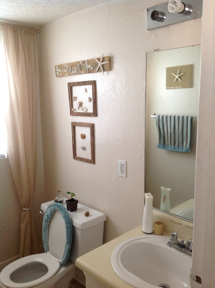 Small-Beach-Themed-Bathroom