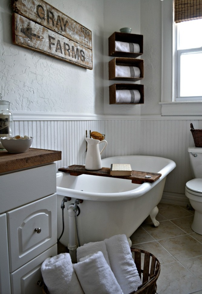 25 fantastic farmhouse bathroom design ideas pictures for Bathroom decor farmhouse