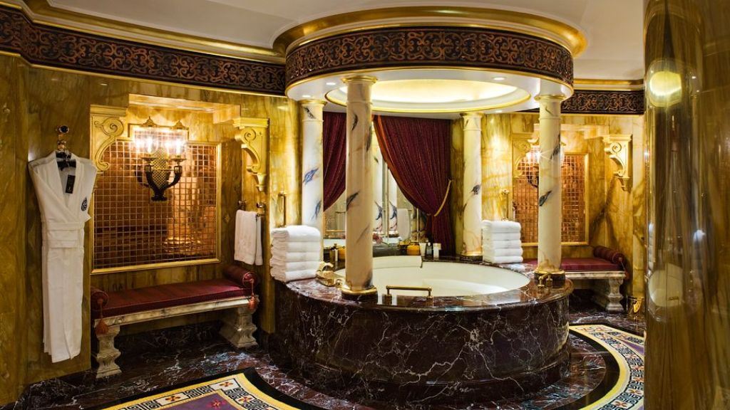 burj-al-arab-hotel-dubai-royal-suite-bathroom