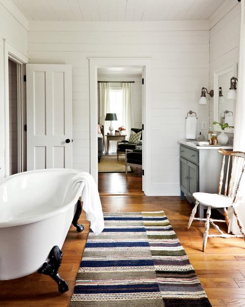 farmhouse-bathroom (1)