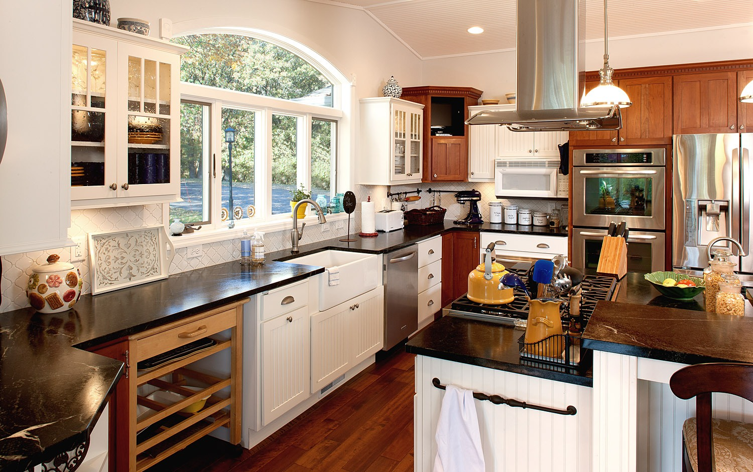 35 Beautiful Transitional Kitchen Examples for Your ...