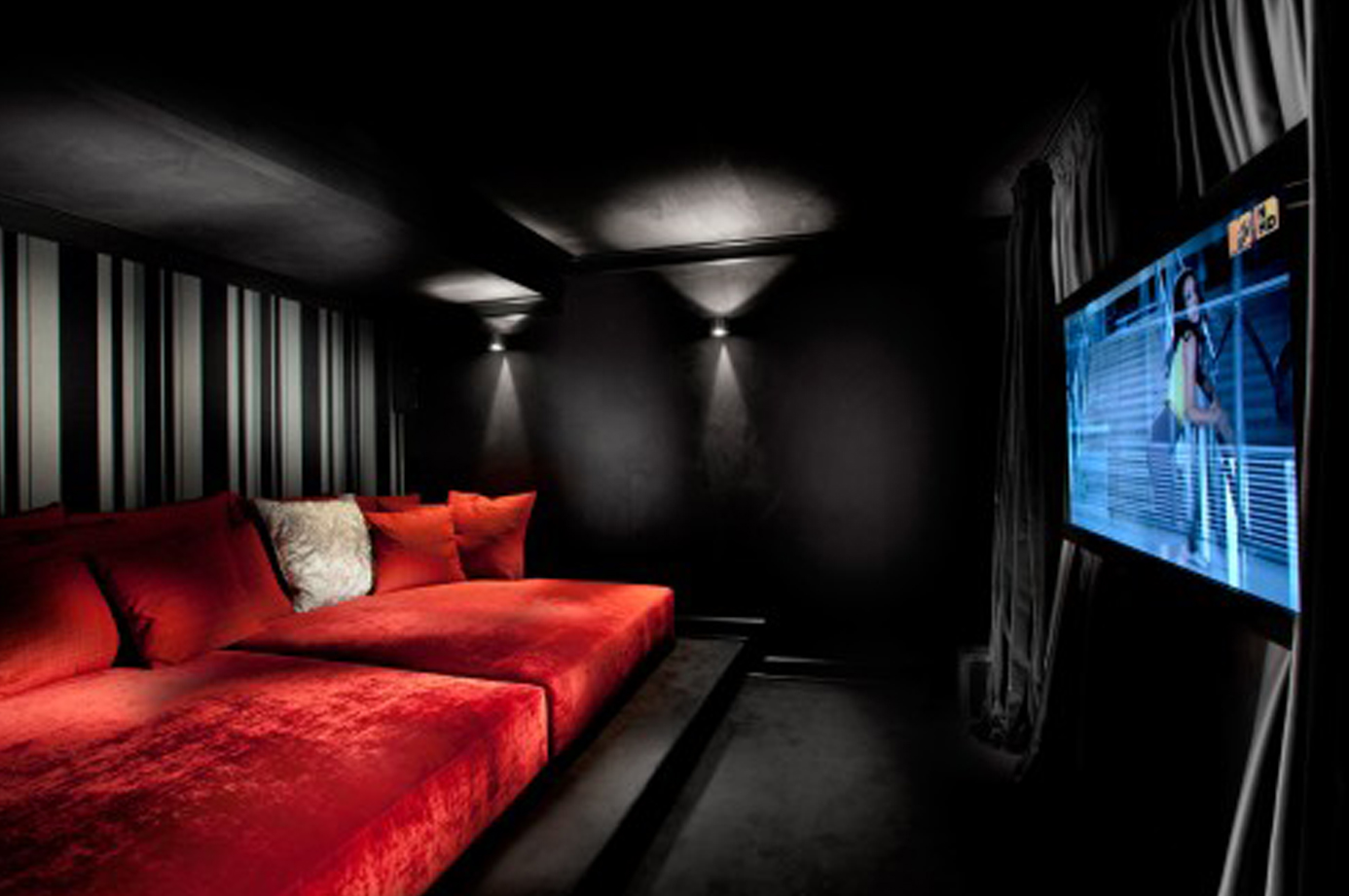 25 inspirational modern home movie theater design ideas for Modern black room