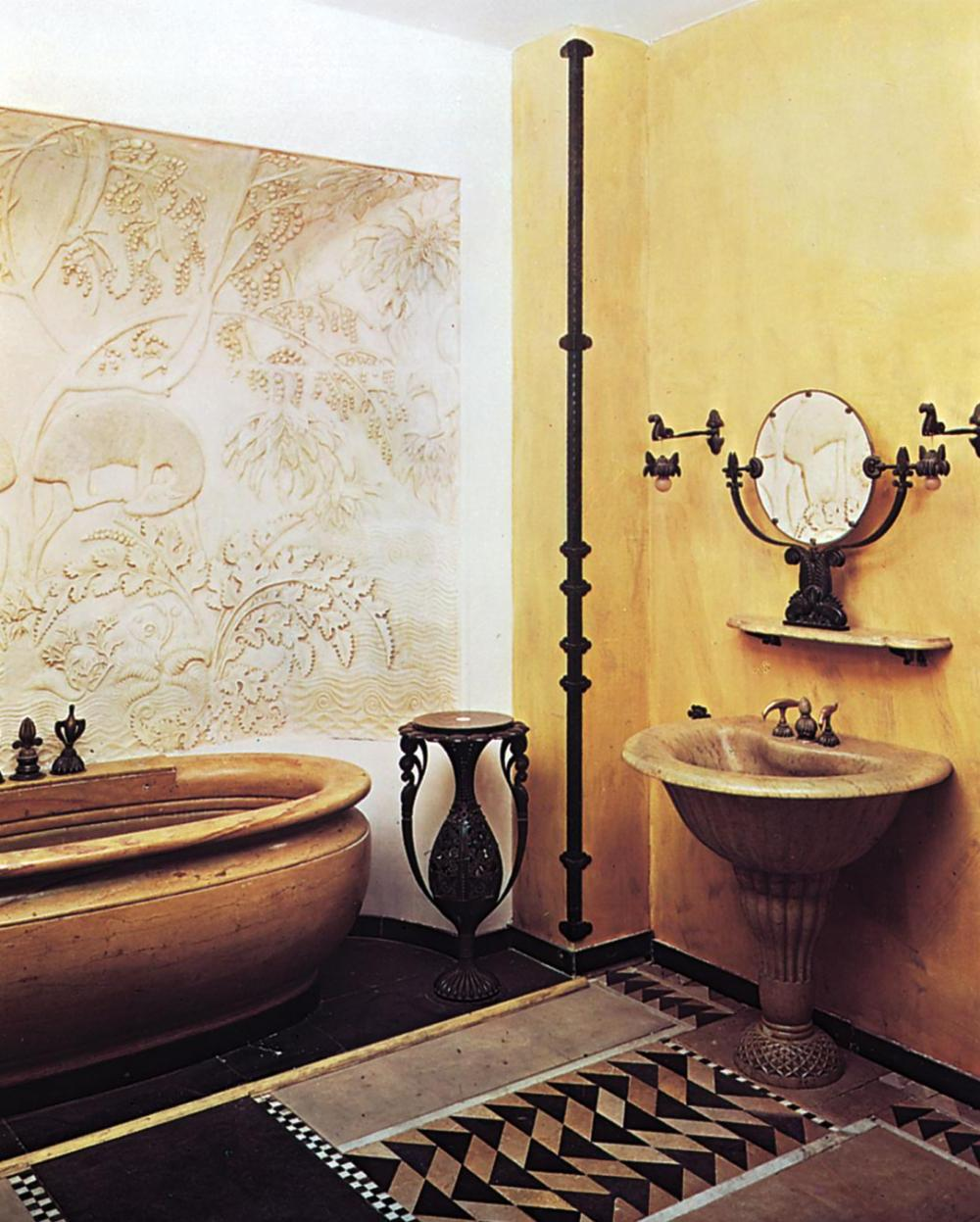 Classic Red Art deco Bathroom