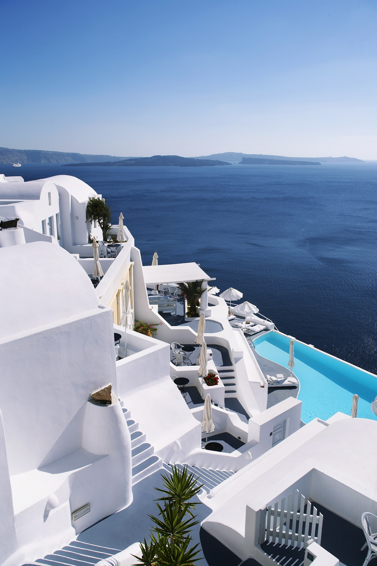 21 stunning infinity pool designs will leave you speechless - Santorini infinity pool ...