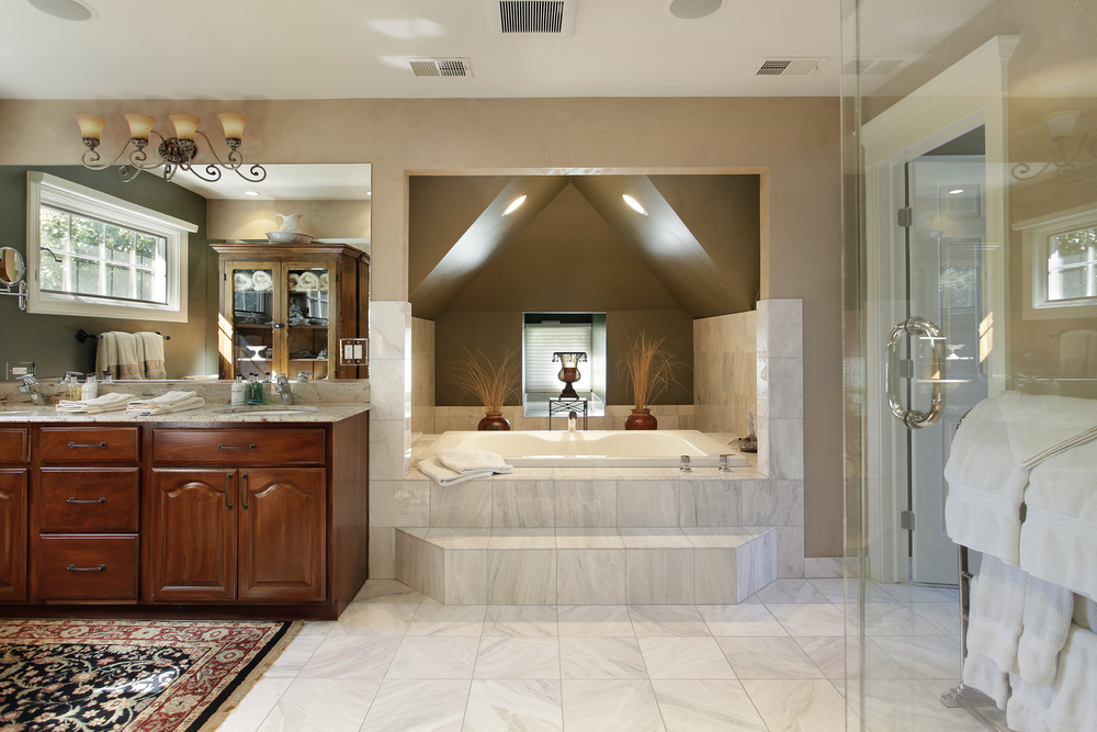 How to design a luxurious master bathroom for Large master bathroom