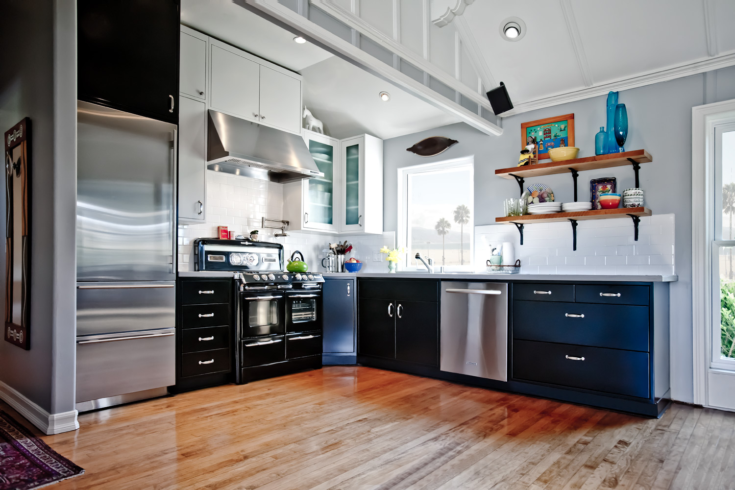 Metal-Kitchen-Cabinets