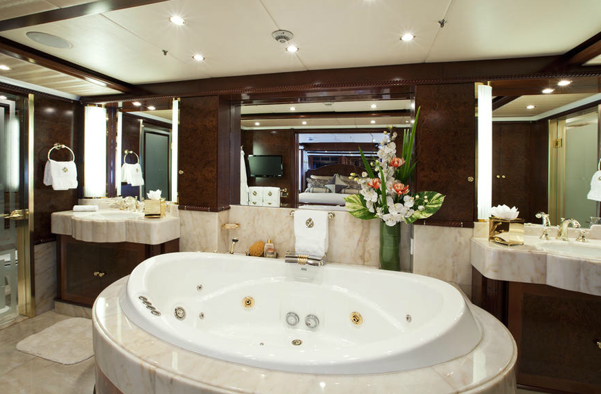 How to design a luxurious master bathroom Small yacht bathroom design