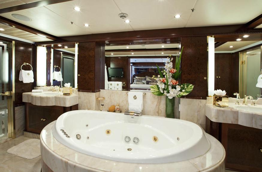 Noble-House-Yacht-Master-Bathroom