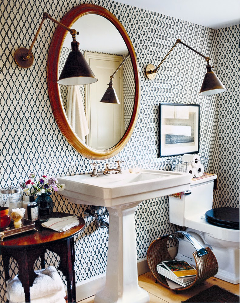 Small Bright Eclectic Bathroom