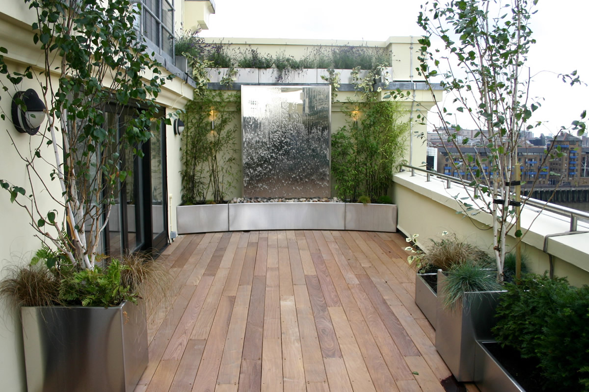 Wonderful-Patio-Rooftop-Garden-Design-with-Wooden-Decking-Patio