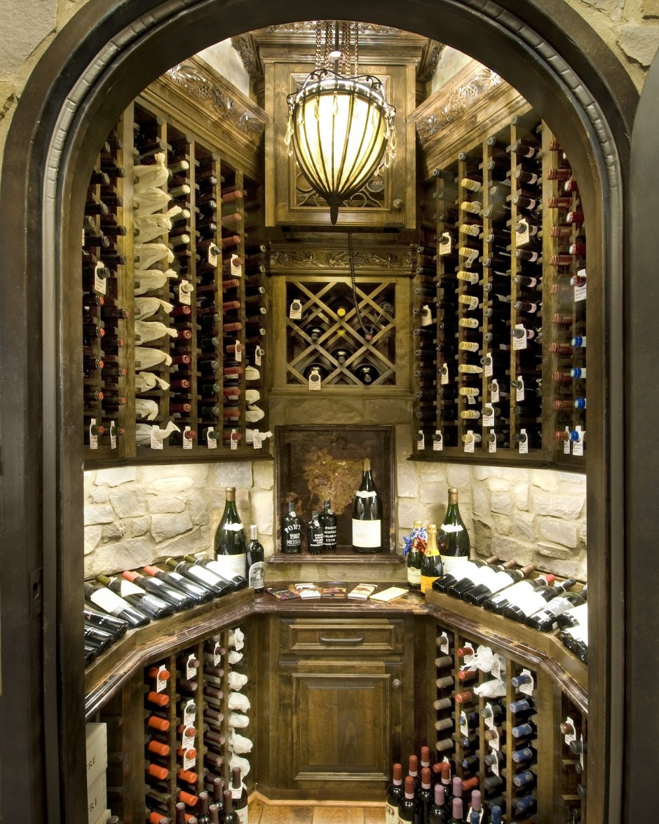 attractive-wine-room-ideas_wooden-cabinetry-for-wine