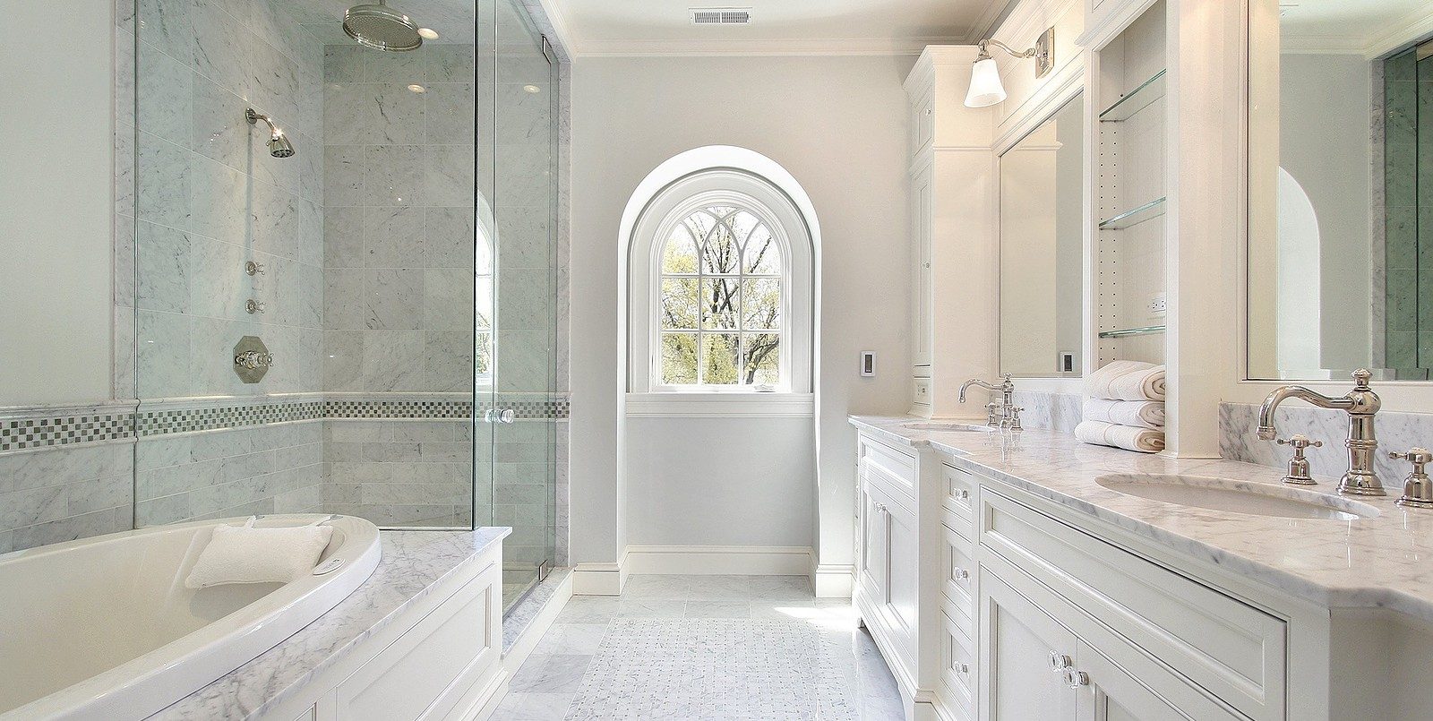 How to design a luxurious master bathroom for Top bathroom design ideas