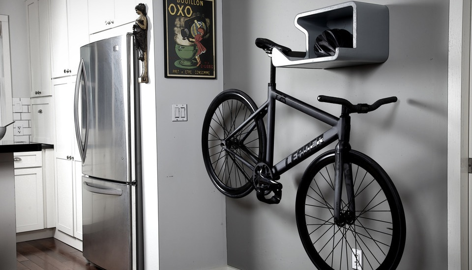 21 creative indoor bike storage ideas for space saving - Small space bike storage decoration ...