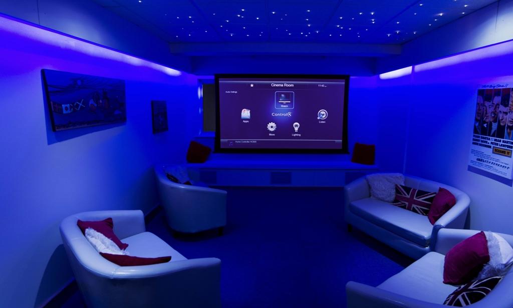 modern-house-beautiful-modern-home-theater