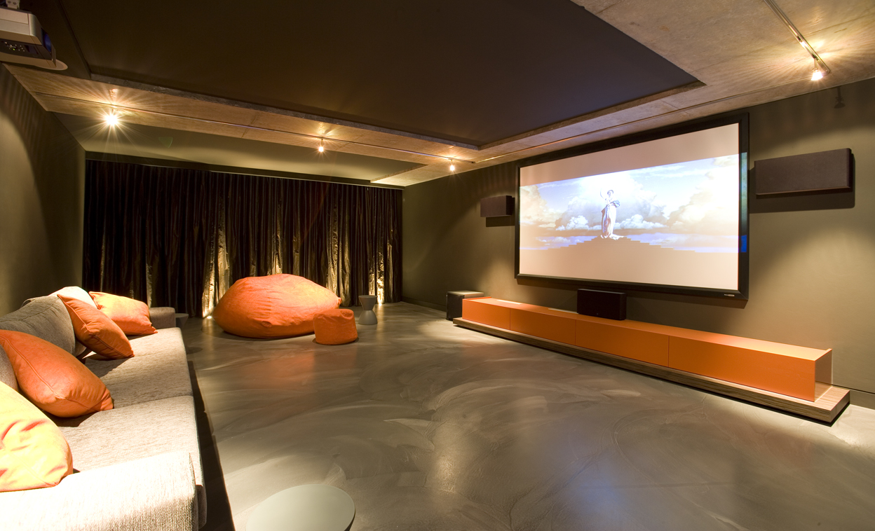 stunning-modern-home-theater-design