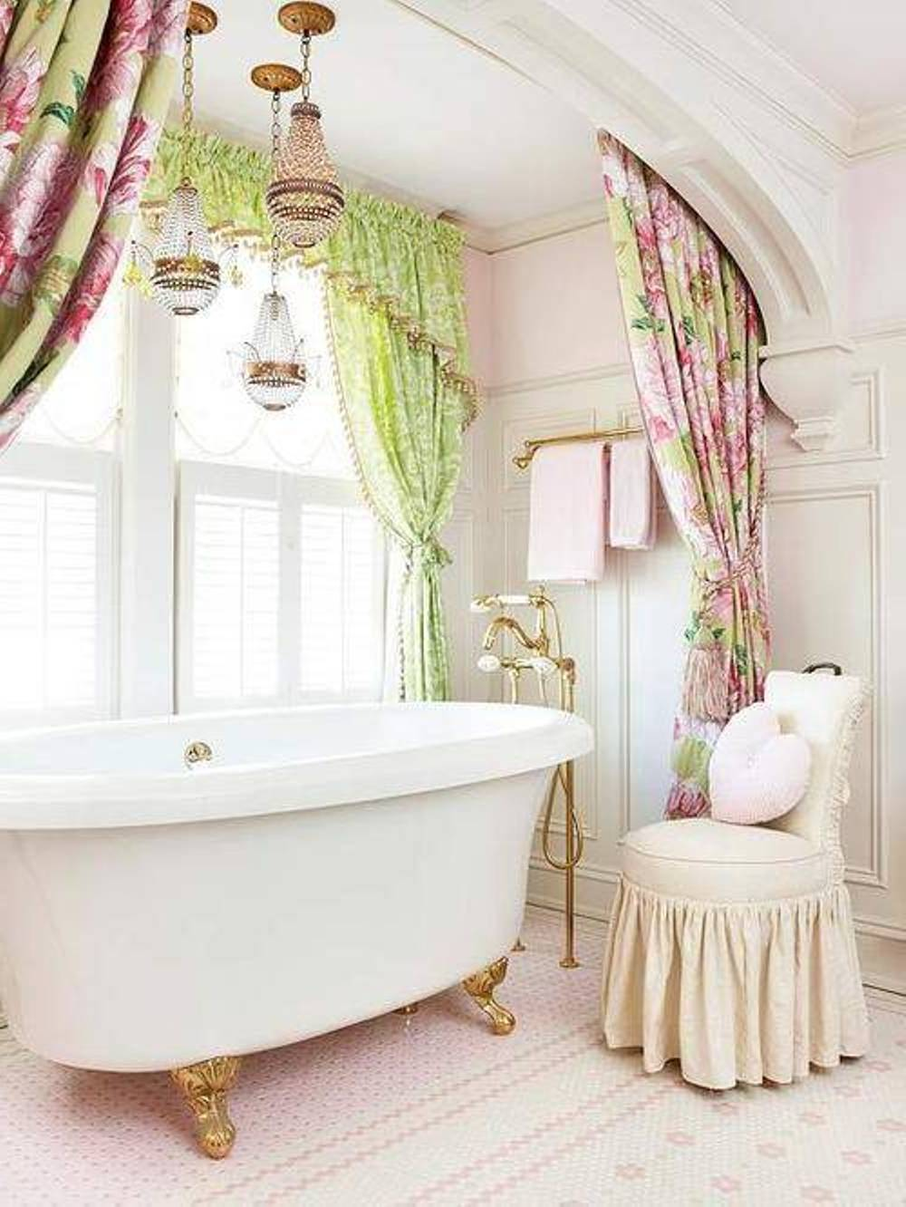 30 shabby chic bathroom design ideas to get inspired for Lampe style shabby chic