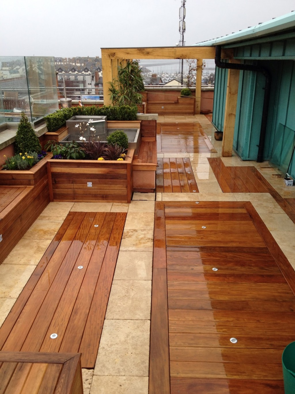 Wood Rooftop Garden Design