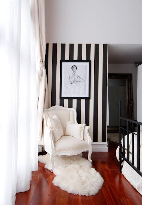 Black & White Interior Decor