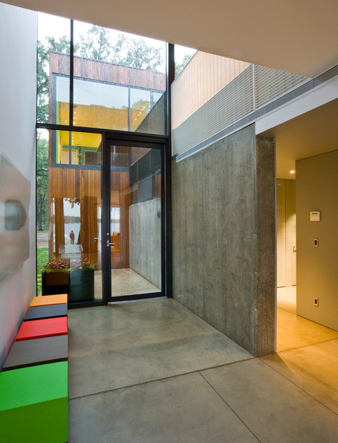 Colorful welcoming contemporary entry design