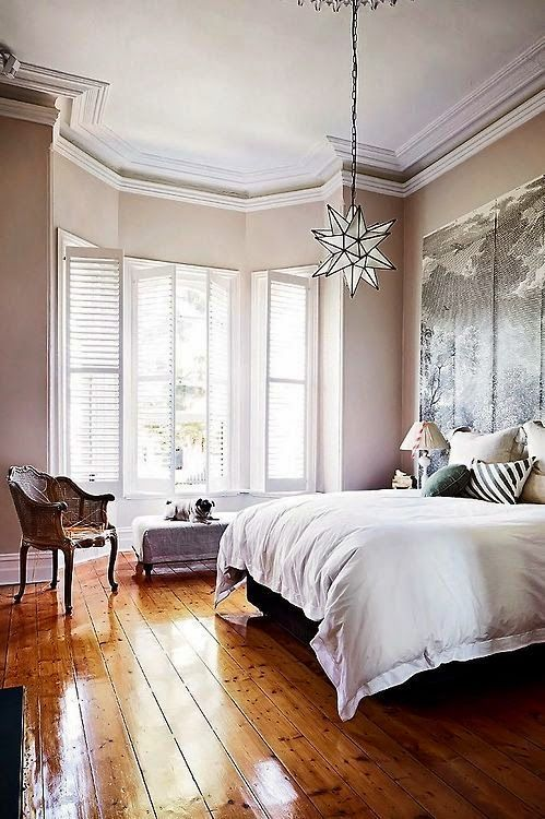 35 beautiful eclectic bedroom designs inspiration for Hardwood floors in bedrooms
