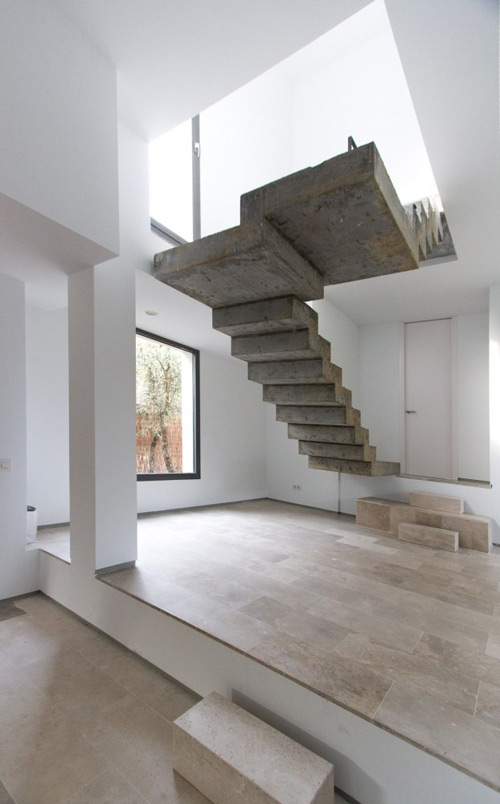Floating Concrete Stairs