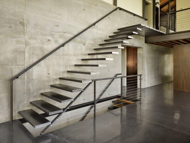 Floating metal staircase