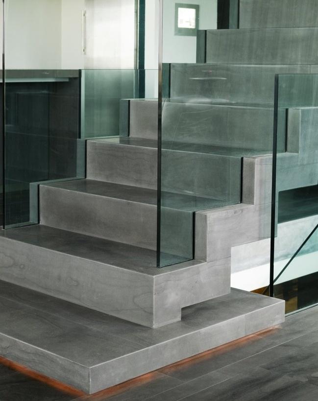 Minimalist Concrete Stairs