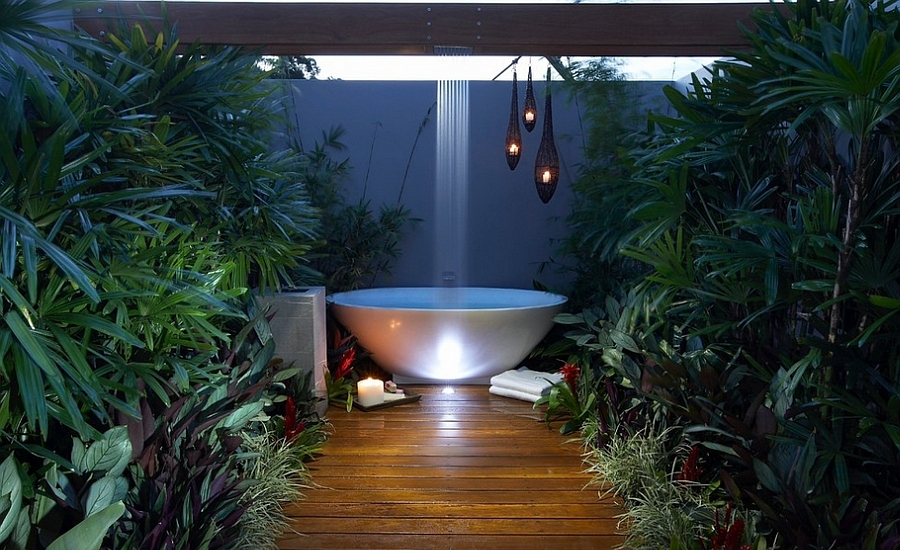 Patio rainshower above bathtub design